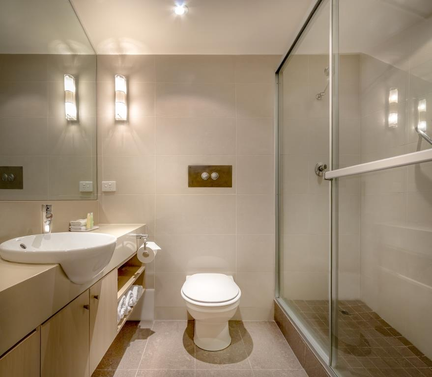 Photo of refurbished ensuite in a Brighton Savoy hotel room