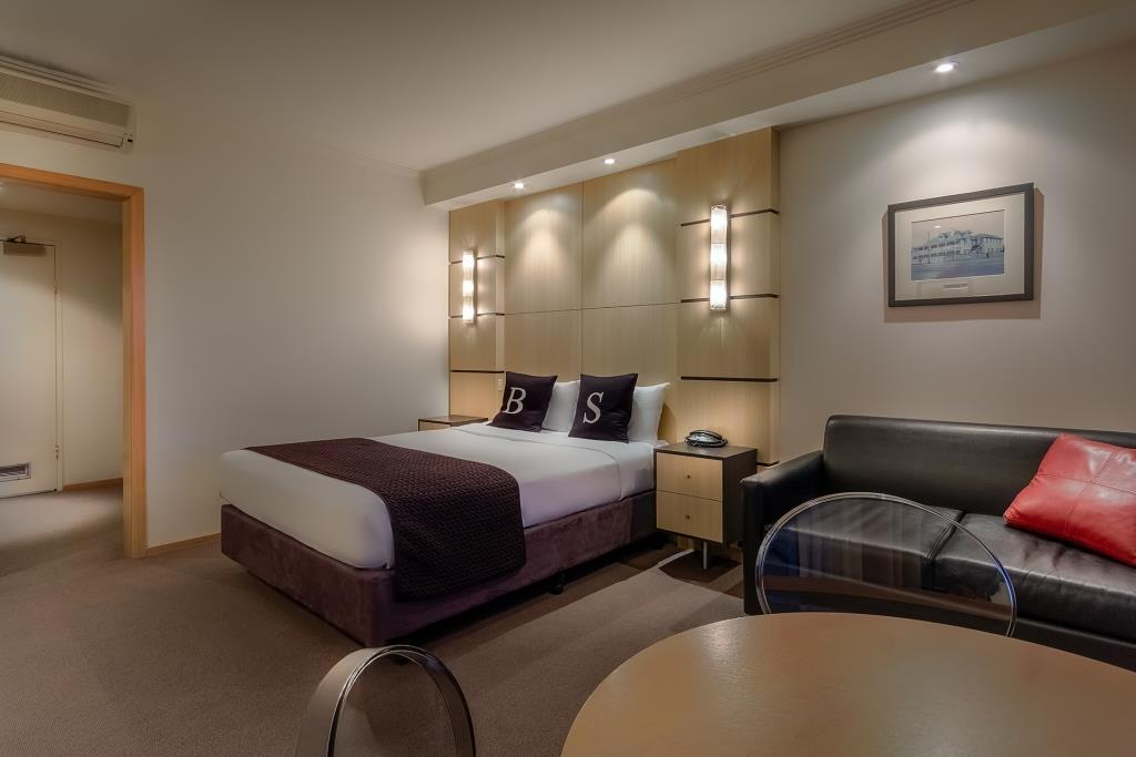 Photo of Queen Deluxe Seaview room at Brighton Savoy