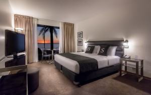 Photo of King Deluxe Seaview room at Brighton Savoy