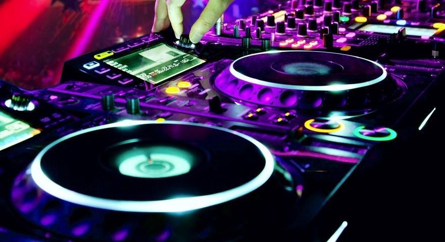 Best wedding DJs Melbourne