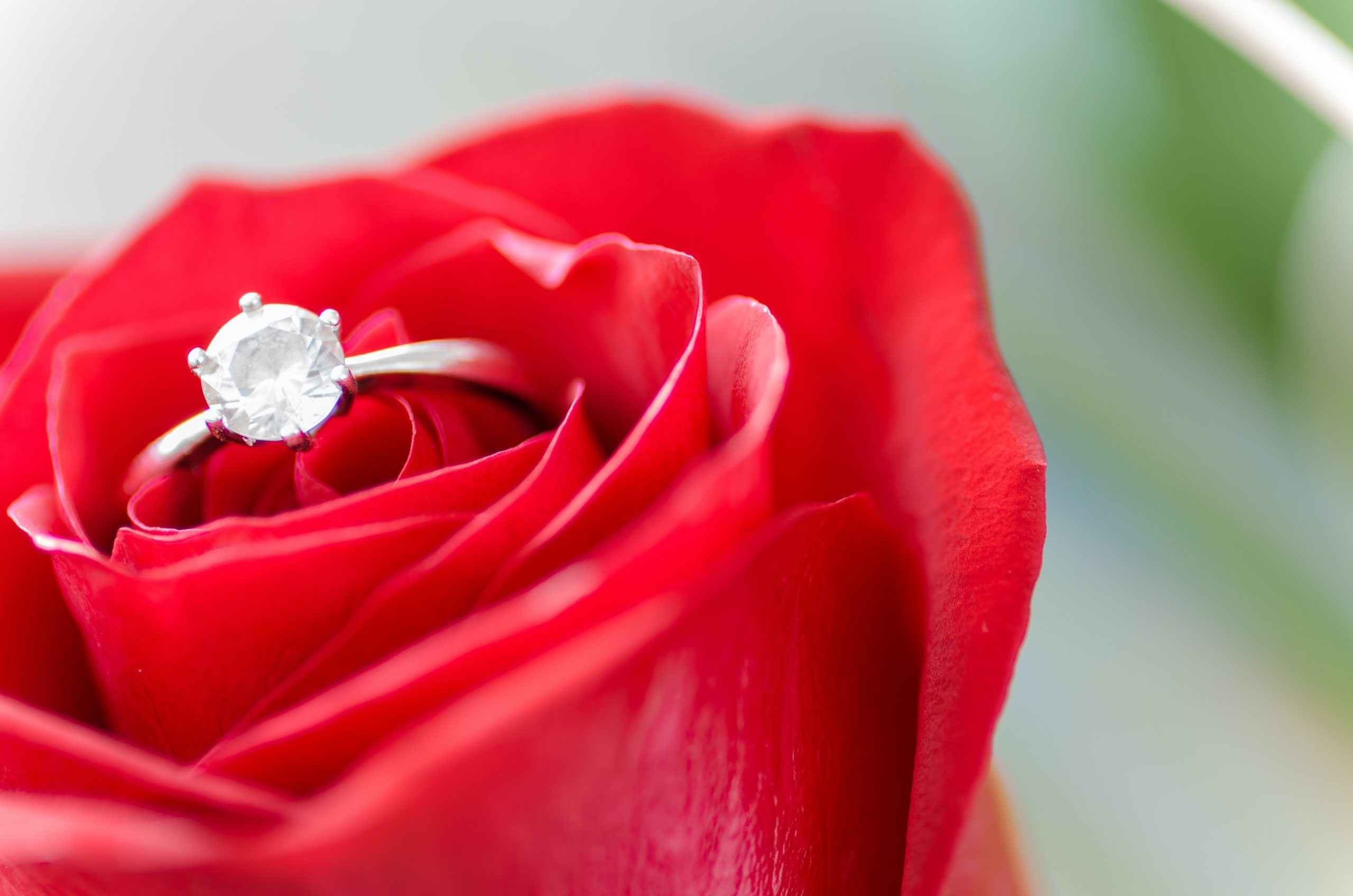 What Should I Look For When Buying An Engagement Ring