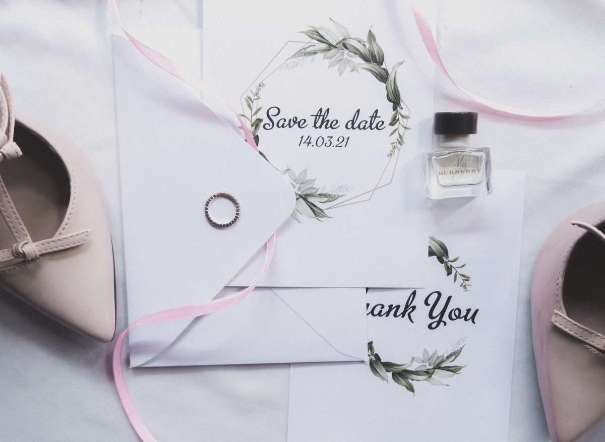 Are Save The Dates And Wedding Invitations The Same