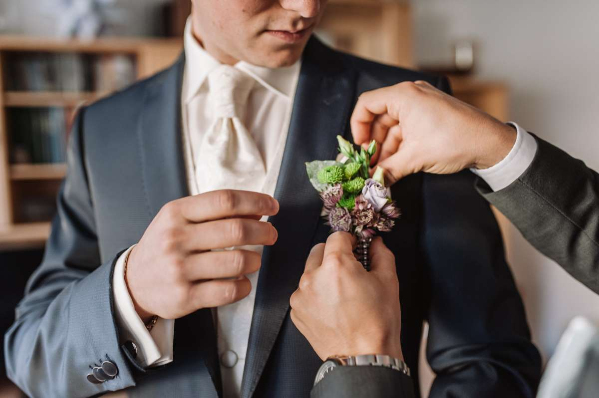 How To Choose The Groom's Look