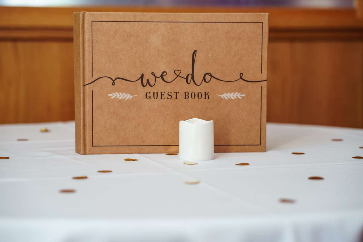 How To Cut Your Wedding Guest List3