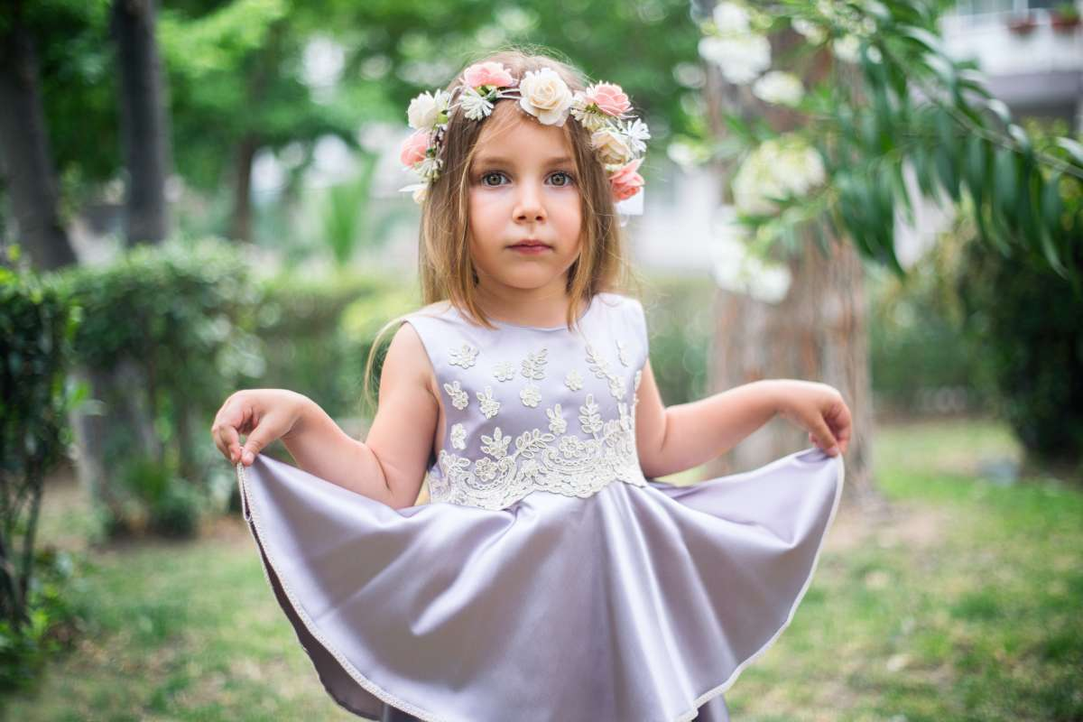 What Is The Job Of A Flower Girl