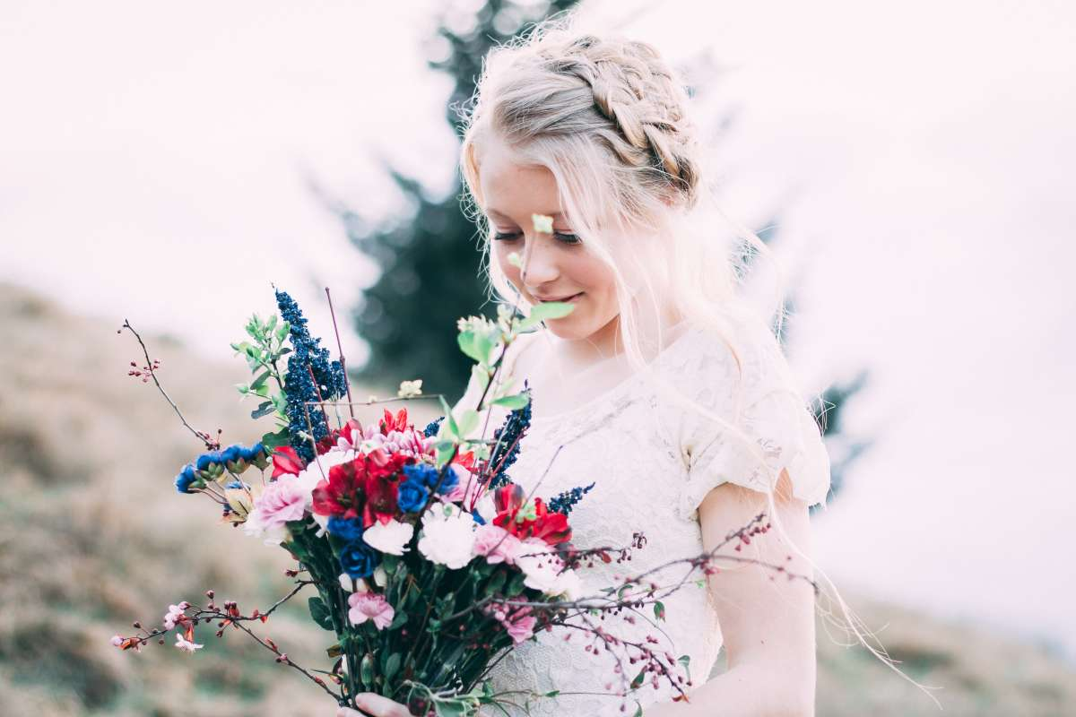 What Is The Job Of A Flower Girl3