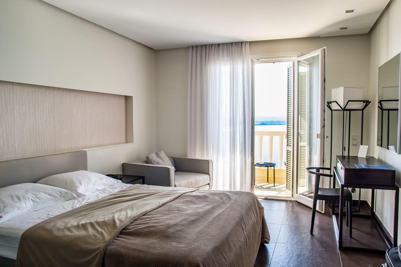 Accommodation Brighton Savoy